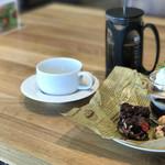 FLAT CAFE -