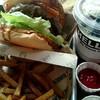 ザ グレートバーガー スタンド - 料理写真:ランチ『ベーコンチーズバーガー』¥1490-(ドリンク・ポテト付)