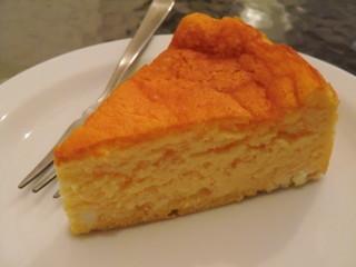 1/3 un tiers - スフレチーズケーキ