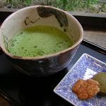 わび助 - ドリンク写真:ティータイムには甘味付きで抹茶で ほっこり、まったり