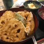 あたりや食堂 - 霞丼(ナマズ)