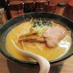 味八 - 札幌味噌ラーメン 750円