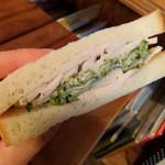 Bird - 自家製鶏ハムときゅうりとパクチーのサンドイッチ500円