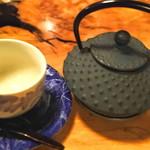 どじはうす - 紅茶は鉄瓶で