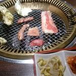 焼肉五苑 - 網焼き