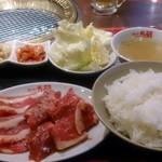 焼肉五苑 - 定食全景