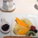 フランス料理/ワインダイニング ラ・ベル・エポック / バロン オークラ - フルーツ