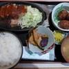 中堀亭  - 料理写真:日替わり定食:厚切り豚ステーキ&すみいかのゲソすり身揚げ
