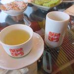 九份阿妹茶酒館 - 次にお茶自体をいただいて暮れ行くノスタルジックな九扮を満喫させていただきました。