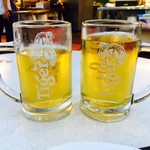 Makansutra Gluttons Bay - タイガービールで乾杯!
