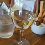 Hal - ランチワイン(白)。