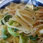 Hal - 桜海老と春キャベツのスパゲッティ、リフトアップ。