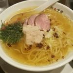 らーめん 鉢ノ葦葉 - 料理写真:塩 (梅しそトッピング)