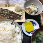 つじ田 - Aランチ 丸干焼500円+納豆100円