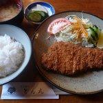 とんかつ とん丸 - 料理写真:とんかつ定食(2011/01/03撮影)