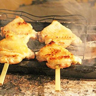 紀州備長炭でじっくり焼き上げる絶品串焼き