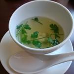 タロイ - ガパオライスセット(972円) スープ