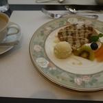 上野精養軒 - 小豆のシフォンケーキ