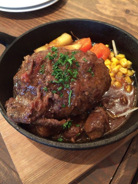CAFE&WINE DINING RAINBOW - ジューシー煮込みハンバーグ 1080円