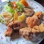 フレンチクォーターラブ - 料理写真:日替わりの唐揚げ