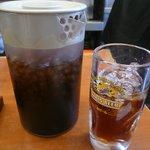 大和 - ビールジョッキに入ったお茶