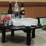 加賀屋 - テーブルにはお惣菜が乗ってます