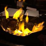 ビストロ・ボルドー - ミックスミートの短剣焼き