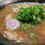 麺や 一福 - ニラ辛醤油(ラーメン自体は通常の醤油味)鼻を抜ける香りがいい!