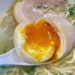 千茶屋 - 中の黄身は液体に近く美味しいです【料理】