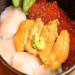 ほほほの北海道 - 函館三色丼