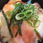 海鮮や 活活丸 - 海鮮づけ丼 悪くないです。