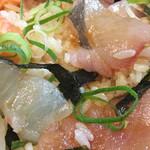 海鮮や 活活丸 - 海鮮づけ丼 アップ