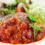 ベル・エポック - 料理写真:ハンバーグきのこのトマトソース