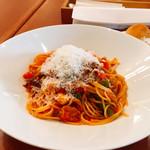 レストランPiatto - 蛍烏賊とシーフードのトマトソースパスタ。