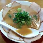 ラーメン横綱 - 「チャーシュー麺」並800円