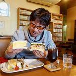 ジュネス - サンドイッチ(玉子とカツの二種類) 740円(税別)                             お店の方は玉カツと呼んでました。