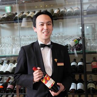 ホテルソムリエが選ぶ約40種のワインが充実