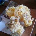 62960163 - 野菜天ぷら盛り合わせ、蒟蒻の天ぷらにはビックリ。