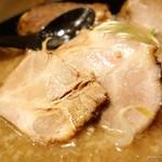 麺屋 ひしお - 2016年12月 特製煮干豚骨ラーメンTPチャーシュー