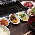 やきやき亭 - 牛カルビ定食 1000円