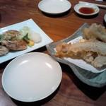 えん - ゲンゲの天ぷら、油揚げ納豆入り。