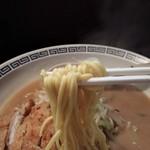 お食事処 味平 - トンカツの下の麺です