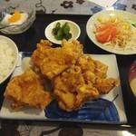 佳肴 - 料理写真:鶏肉の唐揚げ定食(880円)