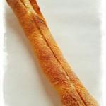 マルキベーカリー - 料理写真:クリームチーズカンパーニュ