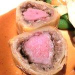 ゴーシェ - シェフのおまかせコース 7200円 の羊の背肉 シャンピニオンとタイムのパイ包み焼き