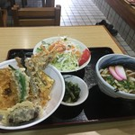 62975252 - 野菜天丼とミニうどん