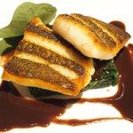 ゴーシェ - 87コース 9200円 のヒラメのポアレ 魚出汁の赤ワインソース