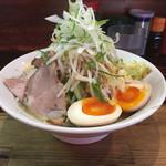ラーメン 岩佐 - 太麺野菜W(830円)