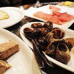 BAR MAR Espana - 101230白金豚のパテとエスカルゴと生ハム