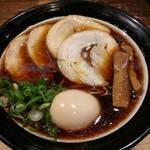 62980091 - 大阪ブラック(細麺)+チャーシュー。